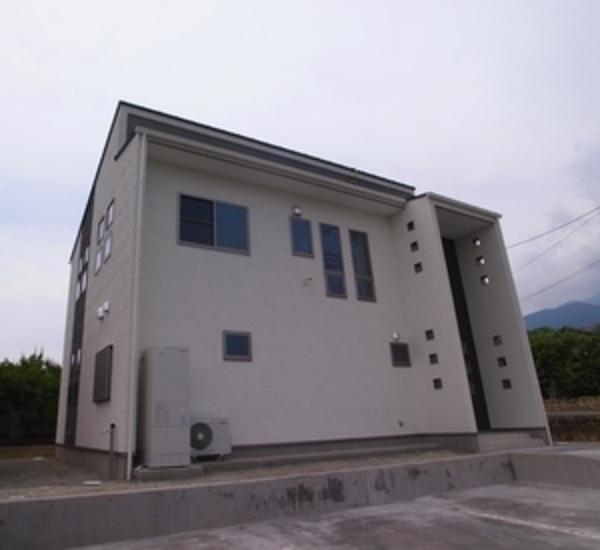 南アルプス市M邸デザイン住宅新築工事 山梨県注文住宅 住建