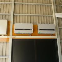 産業用太陽光発電を設置した鉄骨駐車場・倉庫 山梨県注文住宅 住建のサムネイル